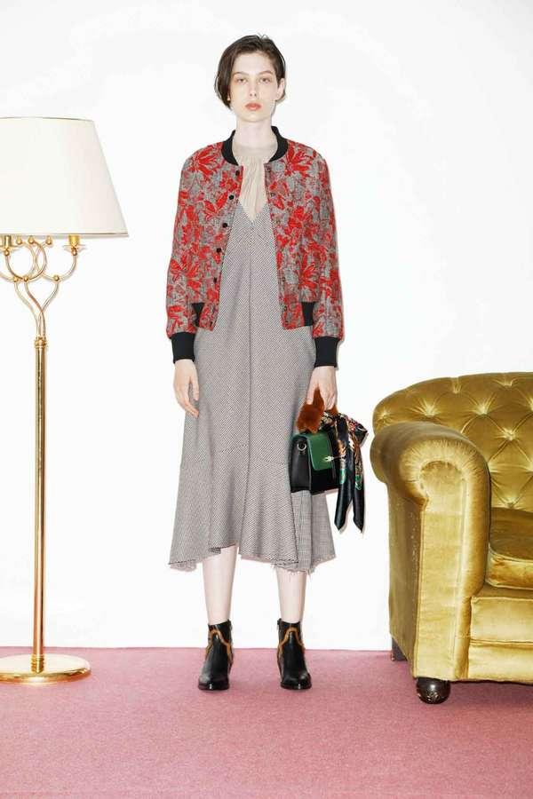 裾フレアジャンパースカート