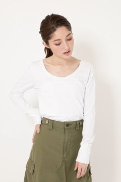 WIDE NECK FITTED LONG SLEEVE TEE