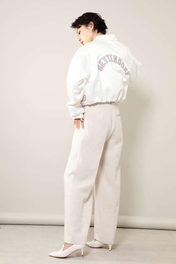 バックロゴ刺繍ショートジャケット