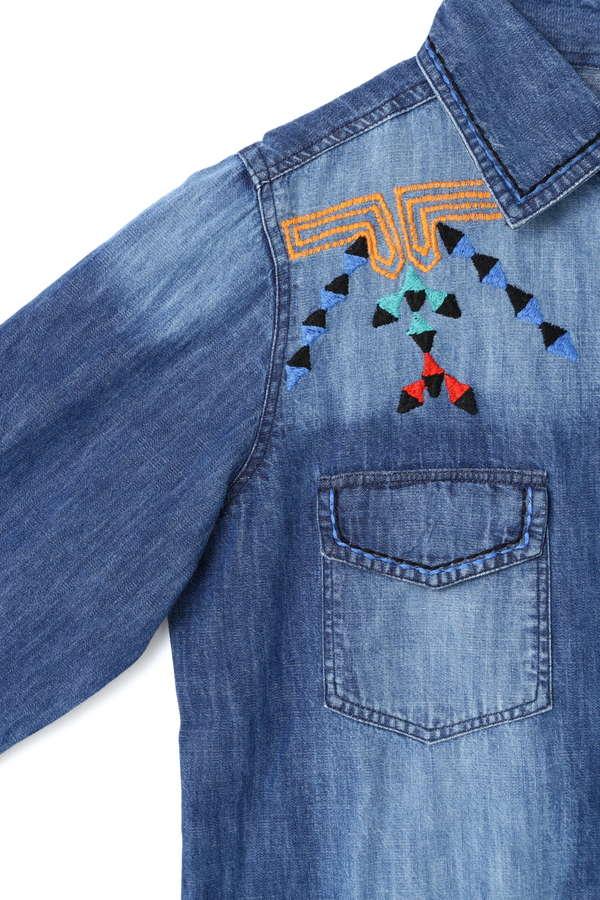トライバル柄刺繍デニムシャツ
