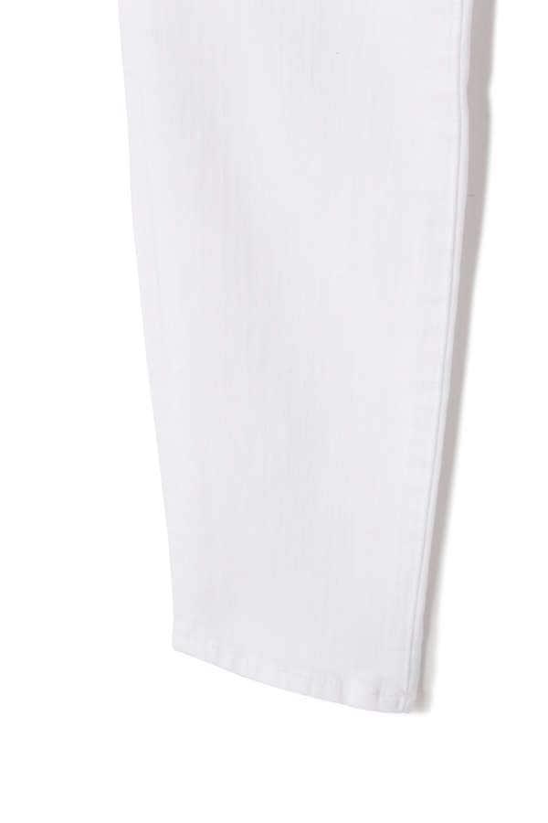ホワイトデニムパンツ