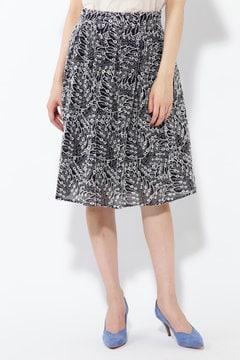 ボタニカル刺繍スカート