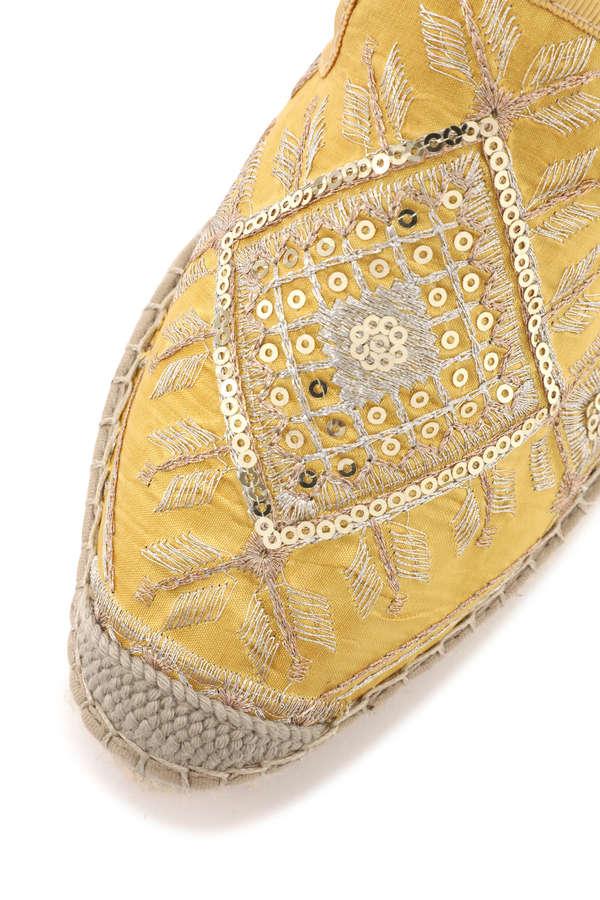 刺繍ビーズフラットサンダル
