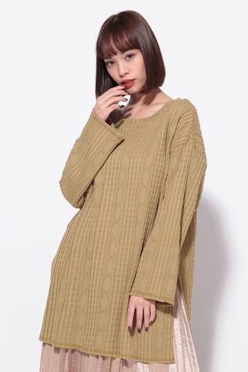 ケーブル編みカットソー