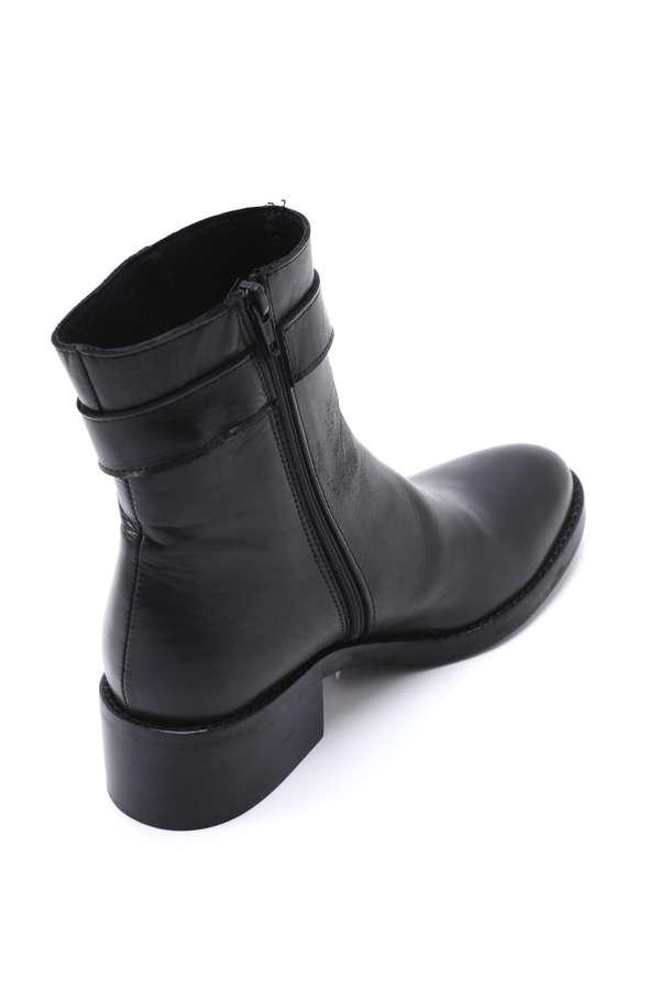 ベルト付きミドル丈ブーツ