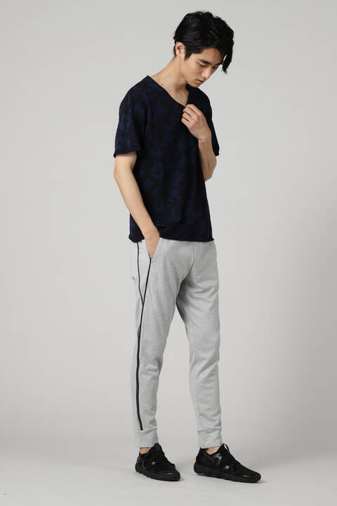 BLUE TORNADO∴インレイカモ柄カール半袖Vネック