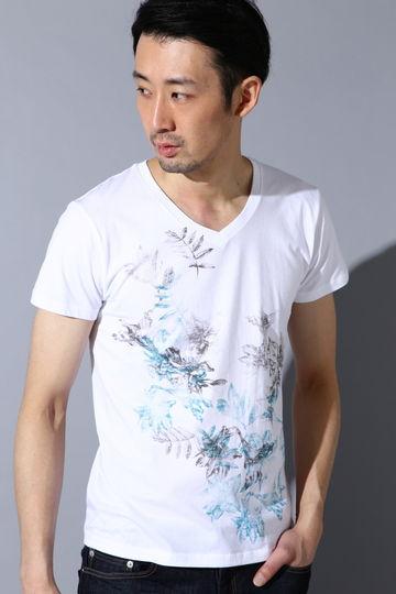 花柄プリントVネックTシャツ