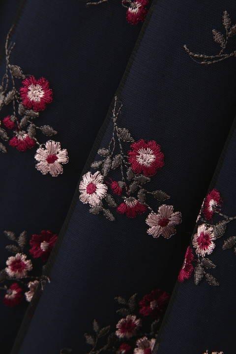 【先行予約 7月下旬入荷予定】チュールカラー刺繍ワンピース