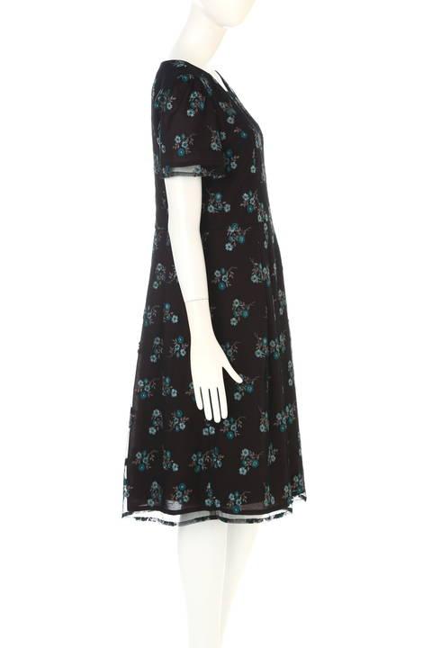 チュールカラー刺繍ワンピース