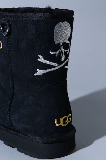 UGG × MASTERMIND WORLD CLASSIC MINI